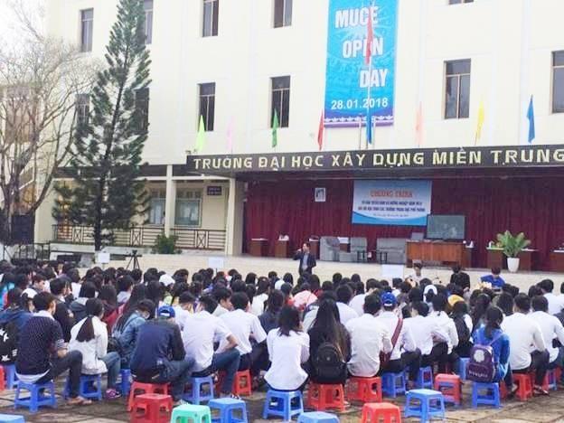 Đại học xây dựng tổ chức tư vấn tuyển sinh tại thành phố Tuy Hòa, Phú Yên