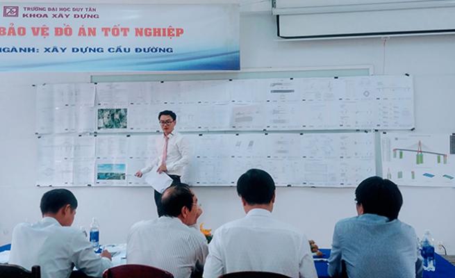 Sinh viên khoa Xây dựng Đại học Duy Tân chuẩn bị bảo vệ Đồ án.