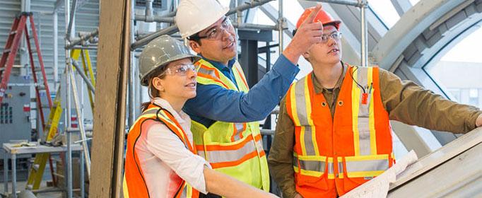 """Lĩnh vực xây dựng vẫn đang là một """"miền đất hứa"""" dành cho những người có chuyên môn, trình độ cao, khả năng điều hành tốt và nhạy bén với thị trường."""